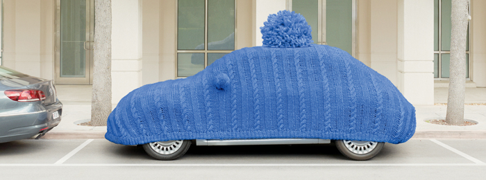 car with blue hat